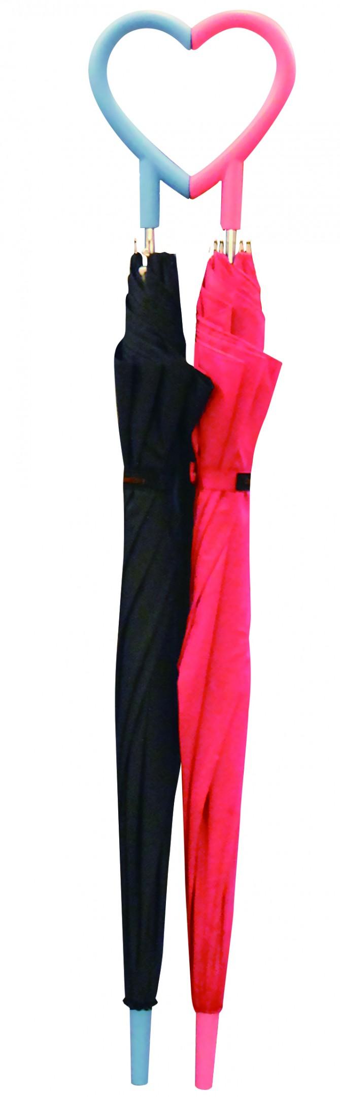 황보현 디자이너가 만든 커플 우산. 손잡이를 맞추면 하트 모양이 만들어진다.  - 디벤토리 제공